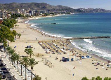 Castellón 1 2 3 o 5 noches para hasta 4 con pensión completa detalle y late check out en Hotel del Golf Playa 4