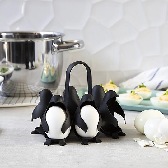 Cesta para huevos con forma de pingüinos