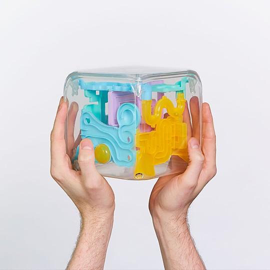Laberinto en 3D con 72 pasos