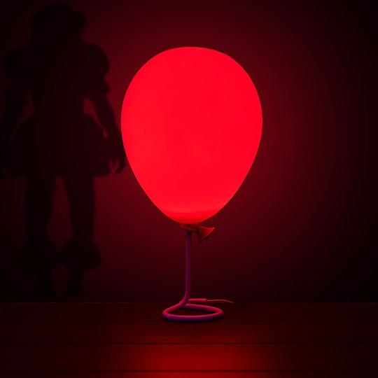 Lampara con forma de globo de It