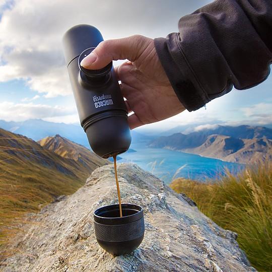 Minipresso de Wacaco la cafetera espresso manual y portátil